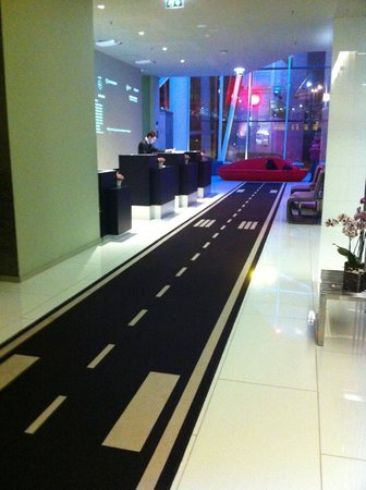 TRYP Lisboa Aeroporto Hotel : Lobby