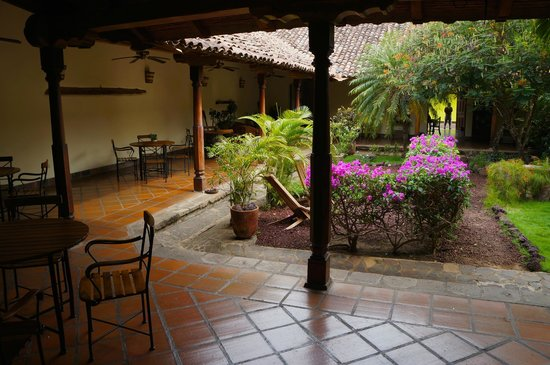 Hotel Patio del Malinche: Courtyard