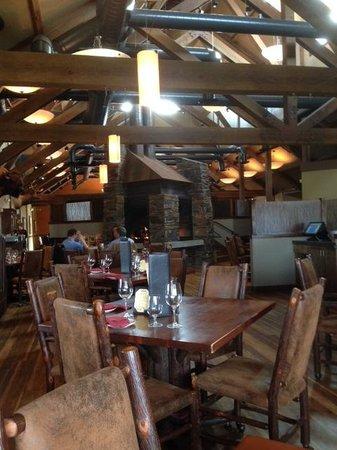 Dakotah Steakhouse: Dining Room
