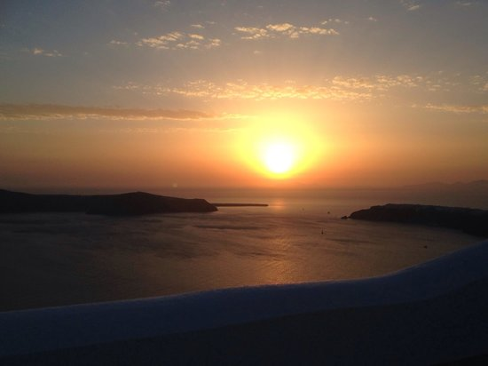 Sunset in Oia: great view! Still stunning after the first visit for 20 yrs ago!