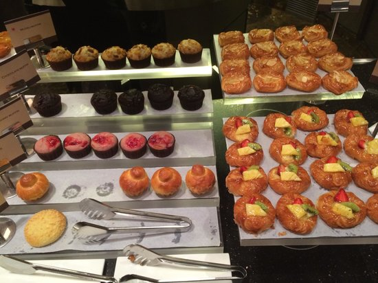 ITC Grand Chola, Chennai: Selection of pastries