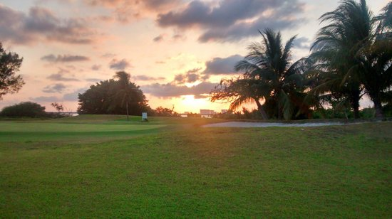 Laguna Suites Golf & Spa: Campo de golf