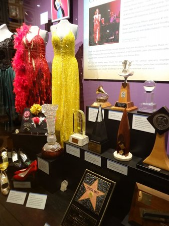 Country Music Hall of Fame and Museum: crystal gayles costumes and awards