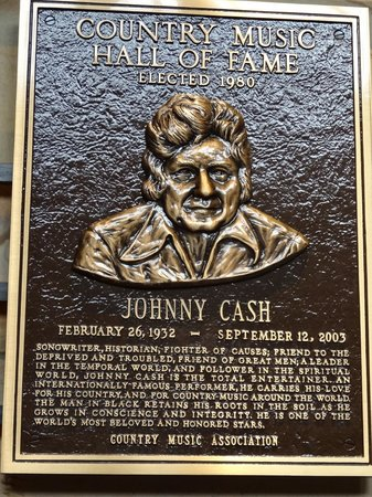 Country Music Hall of Fame and Museum: legendary man in black