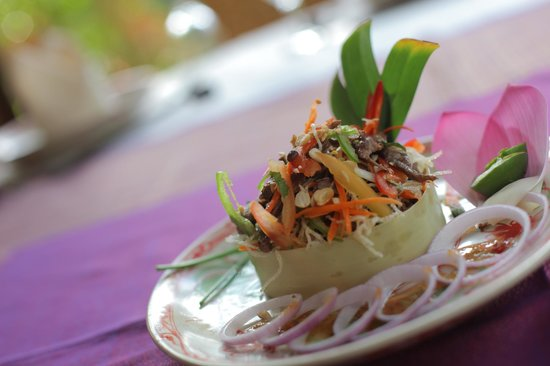 Madame Butterfly : Vermicelli Salad with beef