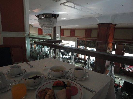 Akgun Istanbul Hotel: 朝食1