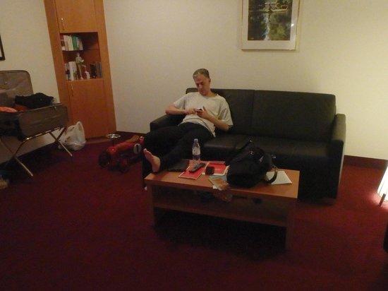 H4 Hotel Residenzschloss Bayreuth: living room