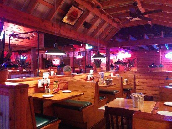 Texas Roadhouse: roadhause