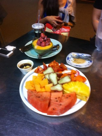 Tai Cheng Fruit Shop : Mixed Fruit Plate
