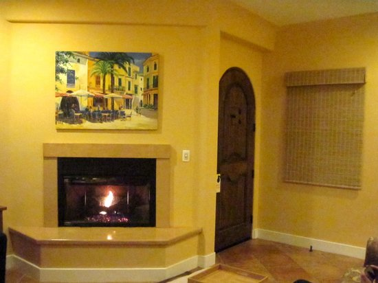 Su Nido Inn (Your Nest In Ojai) : Dove Suite - living area