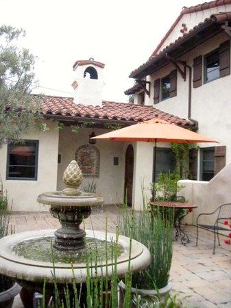 Su Nido Inn (Your Nest In Ojai): Courtyard