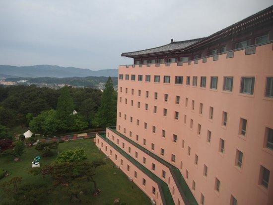 Gyeongju Kolon Hotel: 室内からの景色1