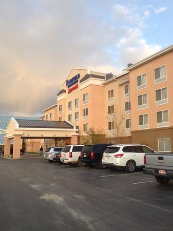 Fairfield Inn & Suites Rapid City: Front Entrance