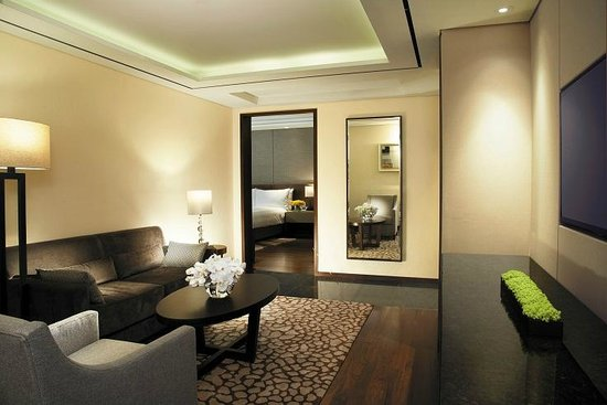 Lotte City Hotel Mapo: Junior Suite King Double Living room1