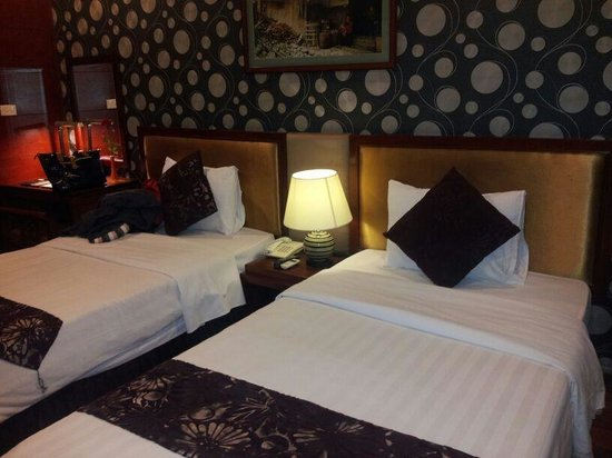 Gia Bao Palace Hotel: Super comfy  bed & cosy rooms...