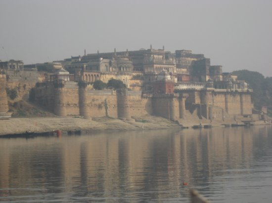 Ramnagar Fort from the Ganges