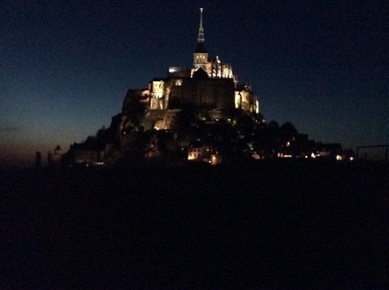 Les Valtieres du Mont Saint Michel : night