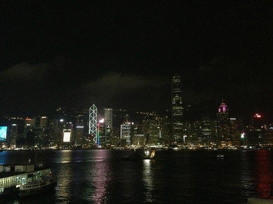 Marco Polo Hongkong Hotel : バーのオープンテラス席からの眺め