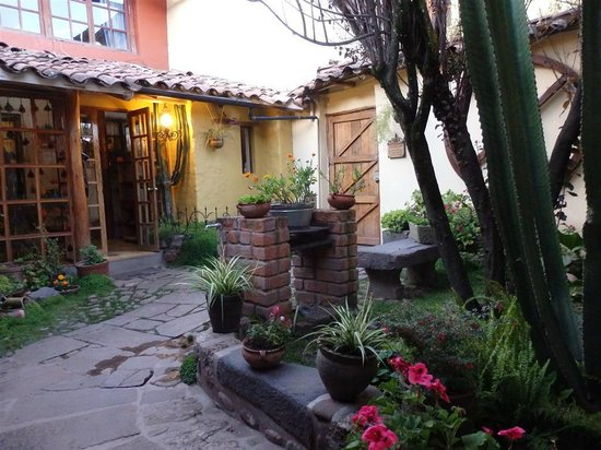LLipimpac: great courtyards