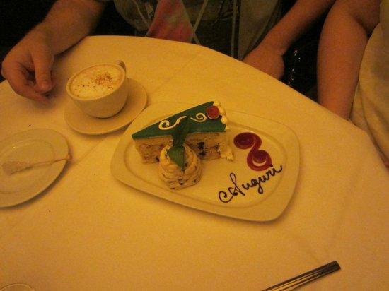 Andiamo Italian Steakhouse: our wedding cake