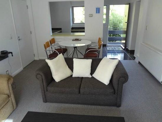 Pacific Park Suites: Lounge in the apartments