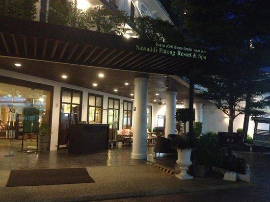 Sawaddi Patong Resort & Spa: Entrance