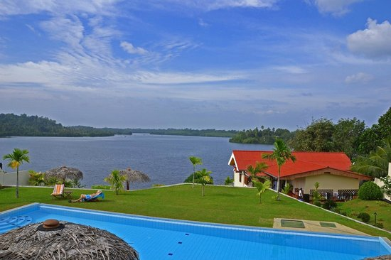 Kalla Bongo Lake Resort: Magnificent views