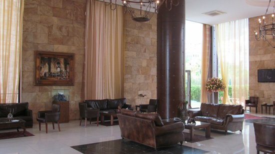 Reston Hotel : Холл отеля