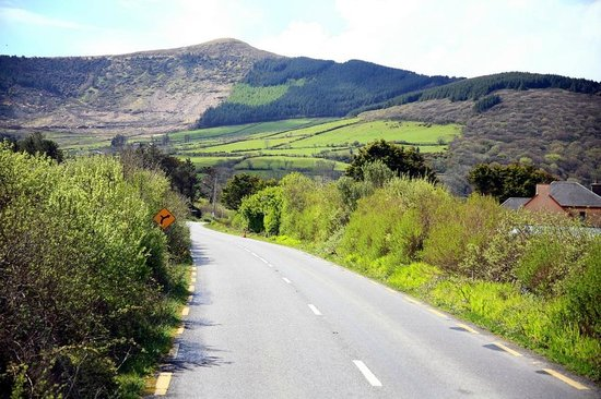 Deros Coach Tours: On the road