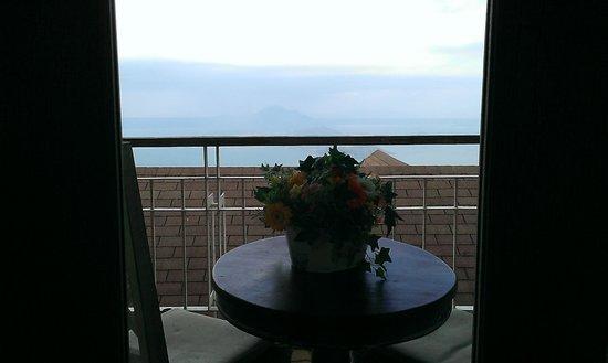 Joaquin's Bed and Breakfast: Balcony
