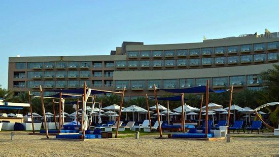 Rixos The Palm Dubai: View of Hotel from Beach Area