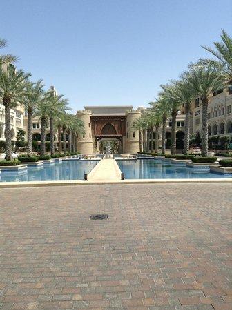 Arabian Courtyard Hotel & Spa: zona Burj Khalifa