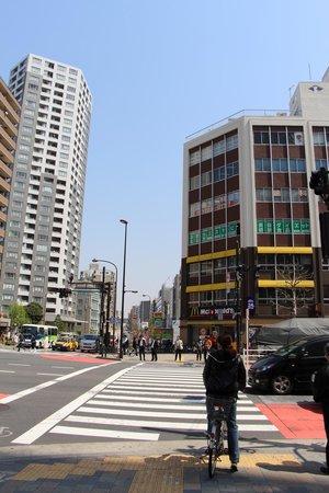 E Hotel Higashi Shinjuku: McDonald