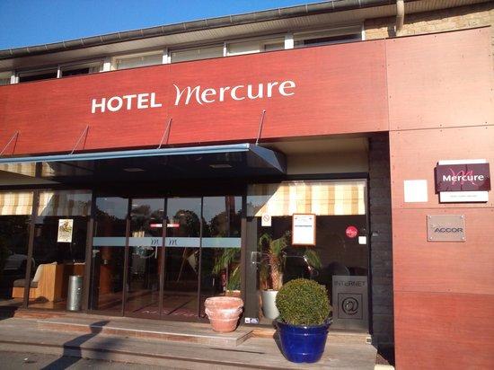 Hotel Mercure Mont Saint Michel: ホテル外観