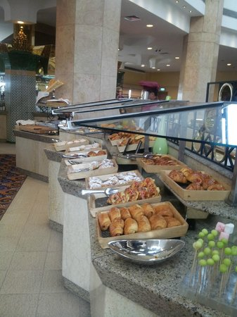 Ramses Hilton : Huge breakfast options