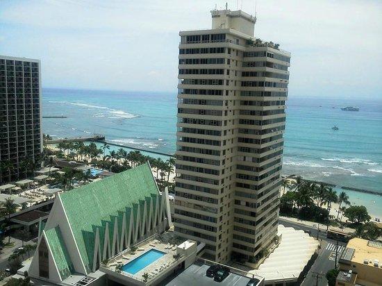 Alohilani Resort Waikiki Beach: ビーチ