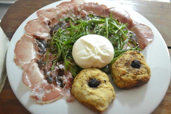 Rivoli : burrata cheese with salami and homemade focaccia