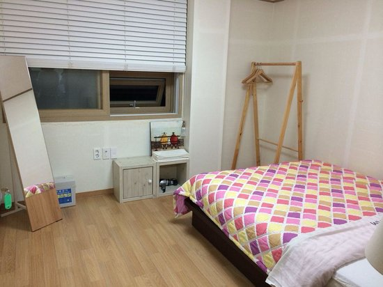 Stay in GAM Seoul Hostel: one room of family room