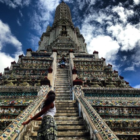 Wat Arun (Tempel der Morgenröte): Got cramp in my legs of the stairs ��