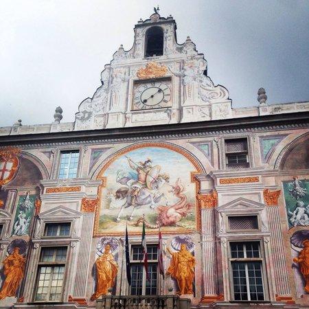 Palazzo di San Giorgio : Фрески на стенах дворца