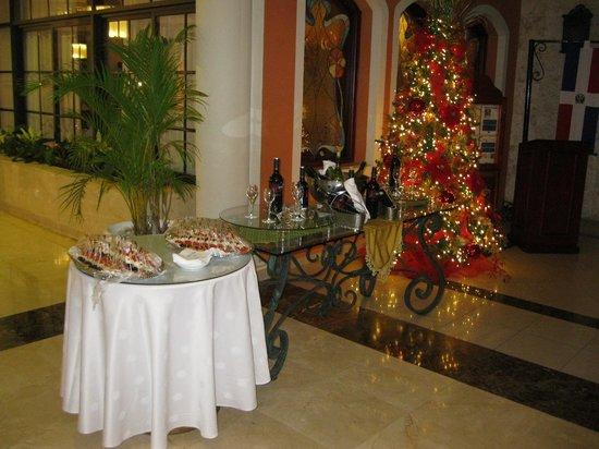 Grand Bahia Principe La Romana : Kerst aan de inkom van de refter.