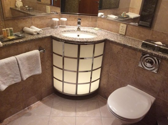 Radisson Blu Alcron Hotel, Prague : Bath