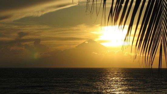 Qunci Villas Hotel: Sunset