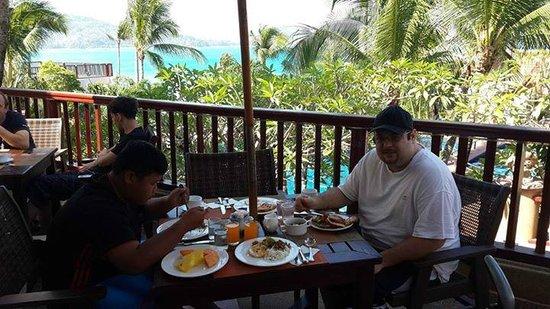 Novotel Phuket Resort : breakfast which has great views