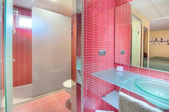 Servigroup Calypso: Bathroom family room