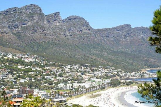 CapeScot Tours: 12 Apostles mountain range by Camps Bay