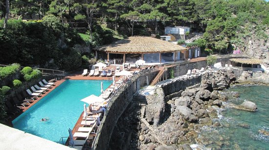 Mezzatorre Resort and Spa : piscine plage