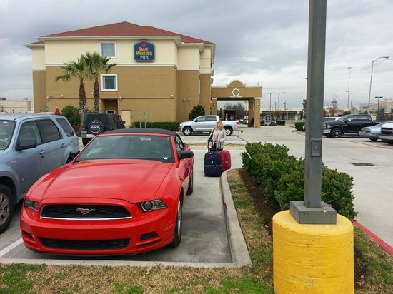 Best Western Plus Katy Inn & Suites: Parking