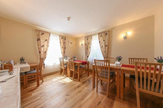 Brackley Oaks Guest House : Breakfast Room B&B Brackley
