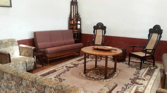 Linger at Balur Estate : Family area